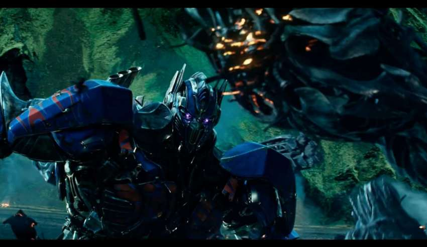 Michael Bay Tweets International Trailer For Transformers