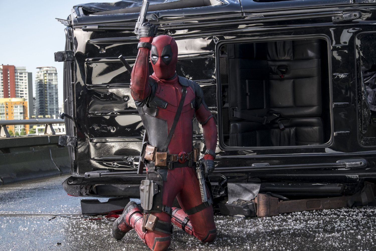 Deadpool 2 Set Images Feature Unmasked Ryan Reynolds & Full Costume